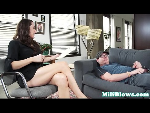 Mature Psychologist Cocksucks Patient
